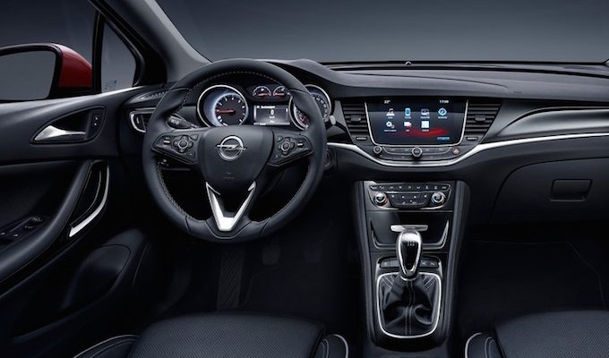 Opel astra 2016 enfin les photos officielles for Interieur opel mokka