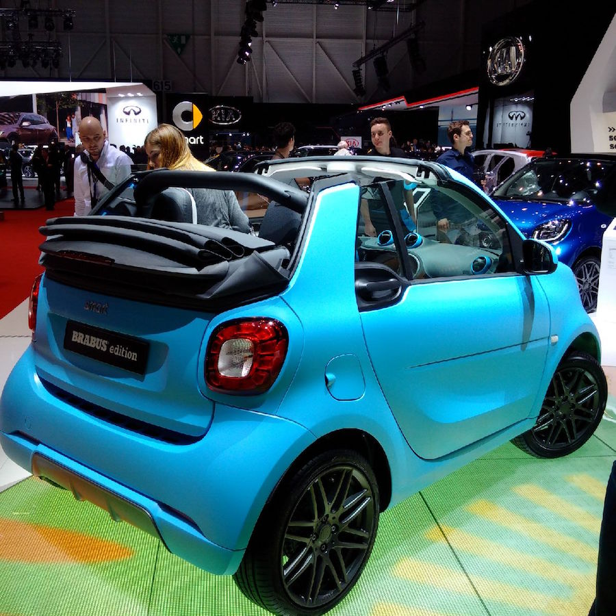 salon de gen ve smart fortwo cabriolet brabus 2017 est pr sente. Black Bedroom Furniture Sets. Home Design Ideas