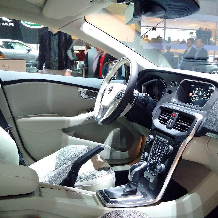 Volvo V40 2017