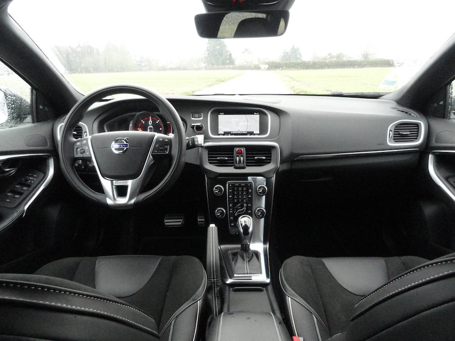 Volvo V40 Carbon Edition interieur
