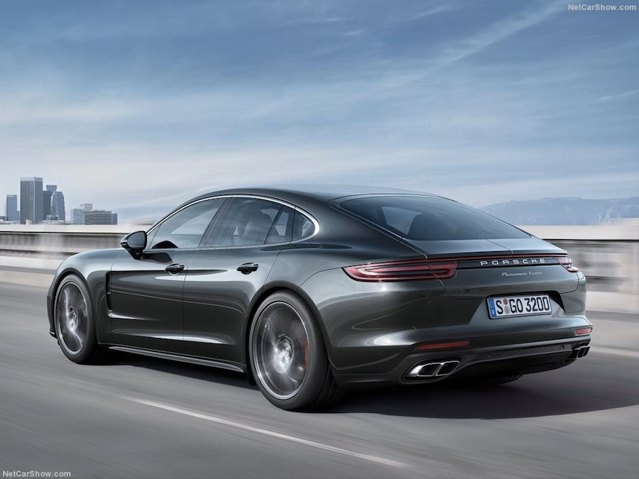 porsche panamera 2017 la nouvelle version arrive. Black Bedroom Furniture Sets. Home Design Ideas