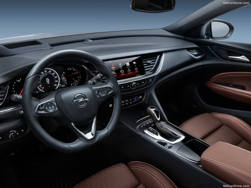 Opel Insignia Country Tourer intérieur