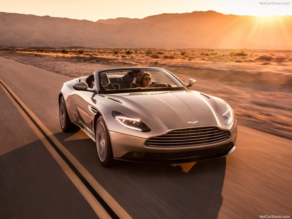 aston martin db11 volante elle fait tomber le haut. Black Bedroom Furniture Sets. Home Design Ideas