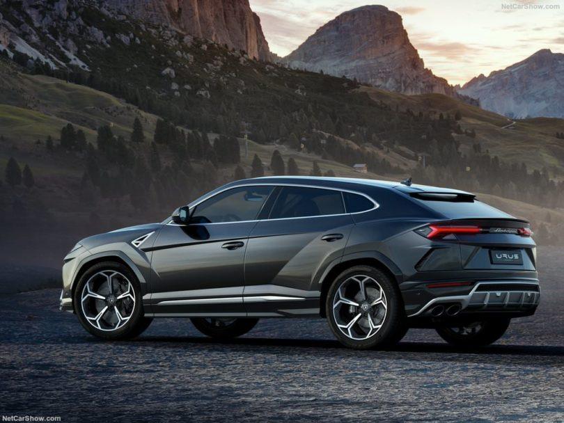 Lamborghini Urus gris