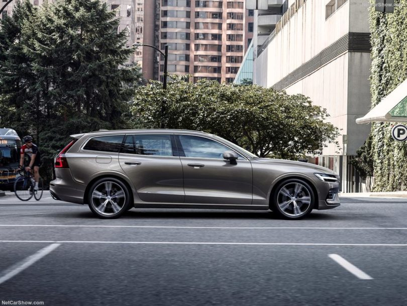 volvo v60 2019 pas seulement le clone du break v90. Black Bedroom Furniture Sets. Home Design Ideas