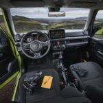 Suzuki-Jimny-2019 derrière le volant