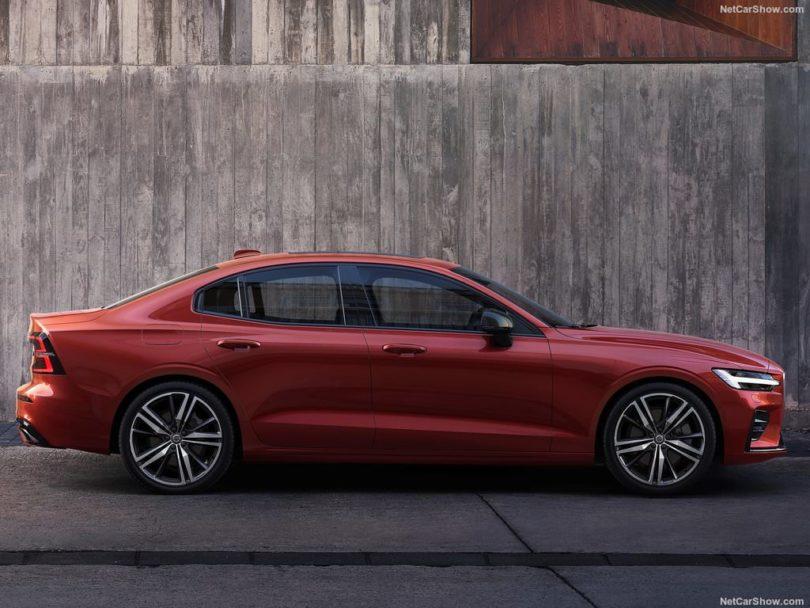 Volvo S60 2019 rouge profile