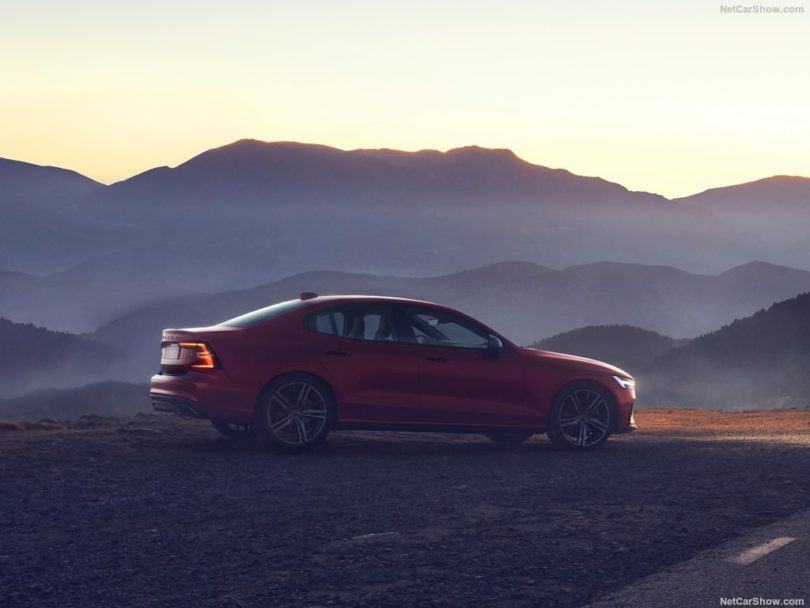 Volvo S60 2019 nuit