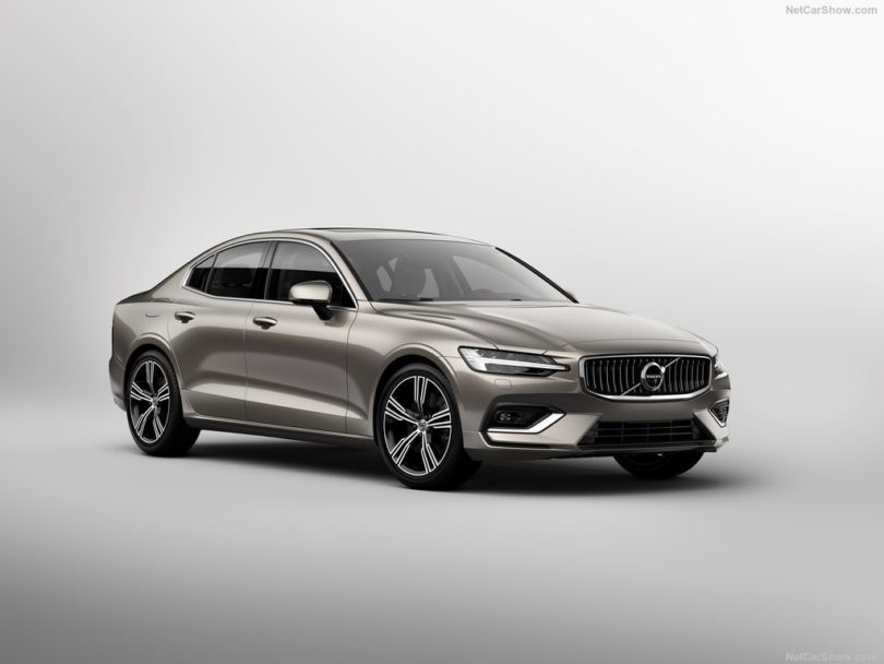 Volvo S60 2019 studio face avant