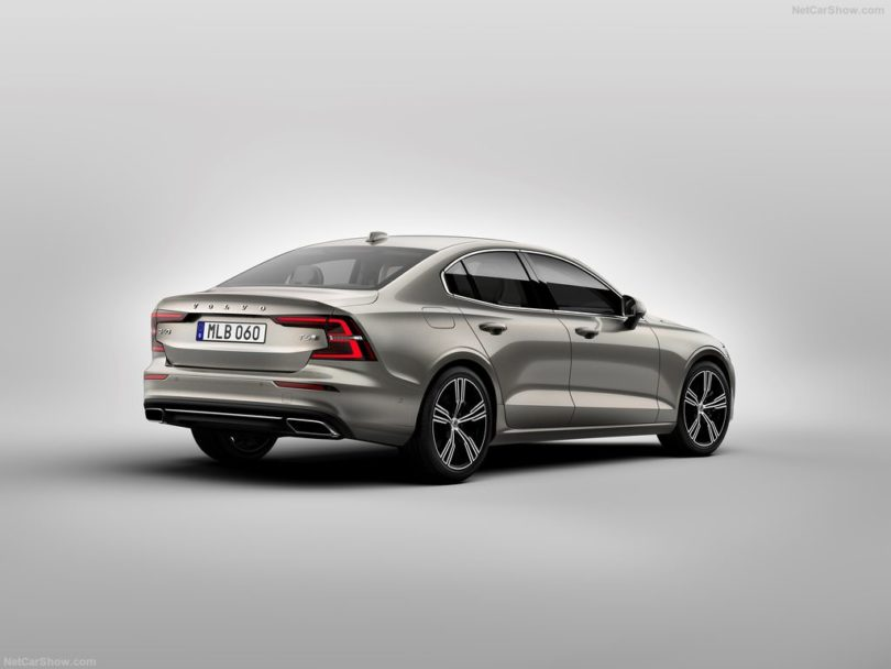 Volvo S60 2019 3/4 arrière