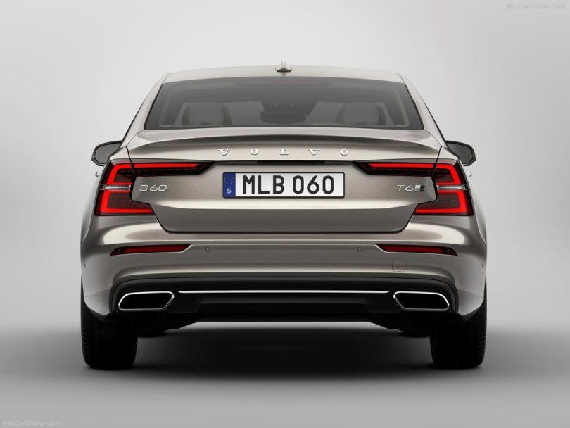 Volvo S60 2019 male arrière