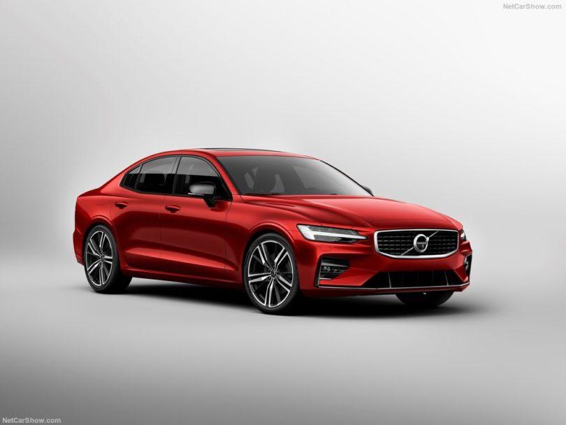Volvo S60 2019 rouge 3/4 avant