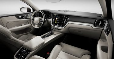 Volvo S60 2019 place passager avant