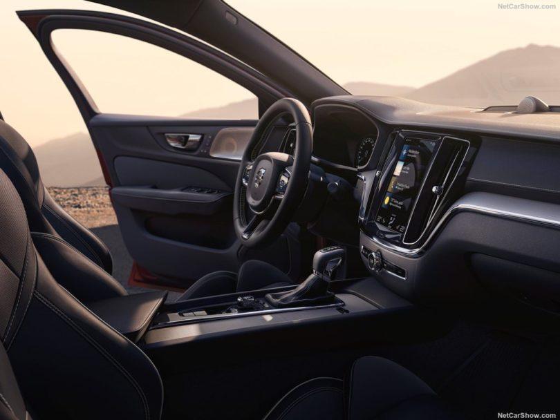 Volvo S60 2019 volant