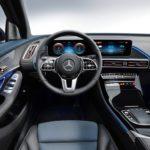 Mercedes EQC 2019 derrière le volant