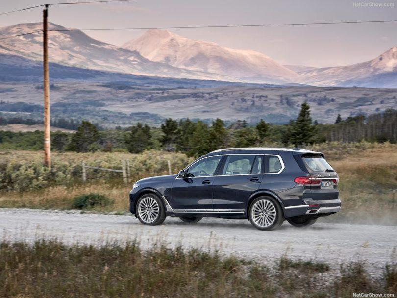 BMW X7 2019 de côté