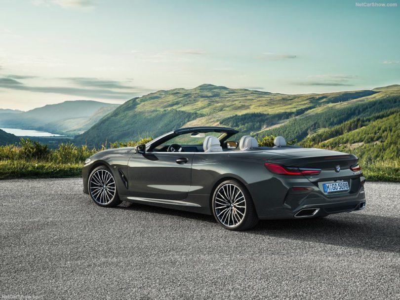 BMW Série 8 Cabriolet 2019 arrière capote ouverte