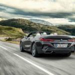 BMW Série 8 Cabriolet 2019 arrière sur la route