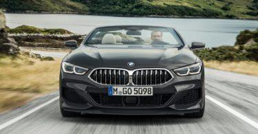 BMW Série 8 Cabriolet 2019 sur la route