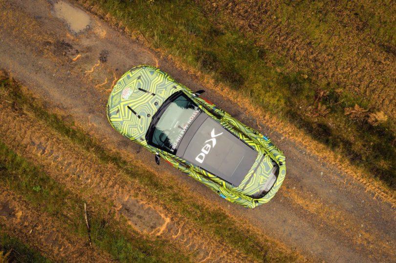 Aston Martin DBX vue aérienne