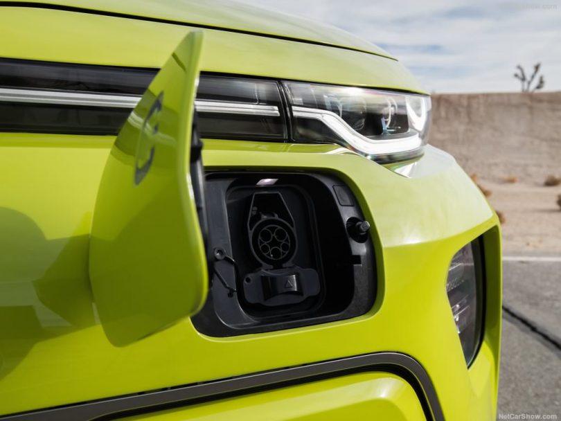 Kia Soul EV 2019 prise de recharge