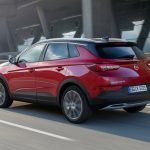 Opel Grandland X Hybrid4 3/4 arrière