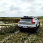 Volvo XC40 T3 Momentum R Design ile de ré 3/4 arrière