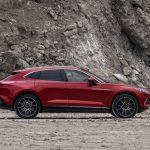 Aston Martin DBX 2021 profil