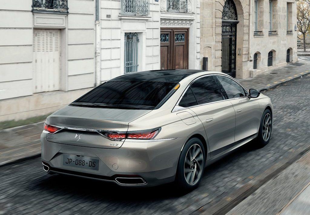 DS9 berline française haut de gamme male arrière