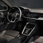 Audi A3 Sedan 2021 au volant