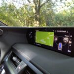 Lexus UX 250h 2WD F SPORT Executive ecran tableau de bord